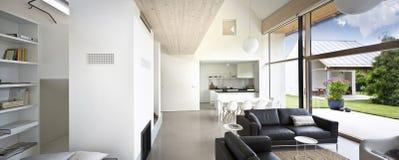Grande maison de luxe intérieure l Photo stock