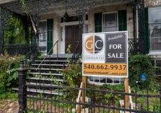 Grande maison envahie à vendre dans Winchester VA photos libres de droits