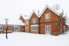Grande maison victorienne en hiver Photographie stock