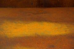Grande mancha da oxidação em uma caixa da sucata Foto de Stock