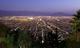 Grande metrópole no crepúsculo Foto de Stock Royalty Free