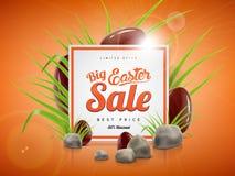 Grande modello del fondo dell'insegna di vendita di Pasqua con l'offerta enorme di sconto, l'erba verde, le pietre e le uova di c Fotografie Stock