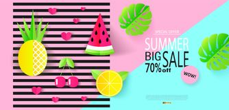 Grande modello dell'insegna di vendita di estate con le foglie tropicali ed i frutti Stile di carta Illustrazione di vettore Immagine Stock Libera da Diritti
