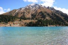 Grande montagna del lago Almaty Fotografia Stock Libera da Diritti