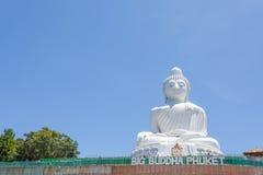 Grande monumento di Buddha sull'isola di Phuket in Tailandia fotografia stock libera da diritti
