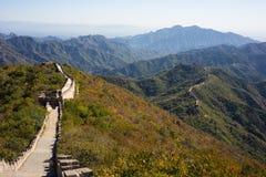 Grande Muralha com montanhas Fotos de Stock