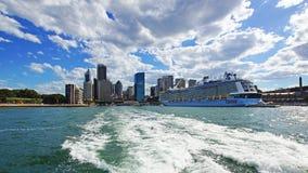 Grande nave da crociera moderna, Quay circolare, Sydney, Australia Fotografia Stock
