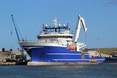 Grande nave nell'estuario del sud di Esk, Montrose, Angus Immagini Stock Libere da Diritti