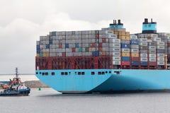 Grande nave porta-container Fotografie Stock Libere da Diritti