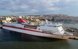 Grande nave in porto Immagine Stock Libera da Diritti