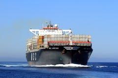 Grande navigation du navire porte-conteneurs MSC ABIDJAN en eaux libres Image stock