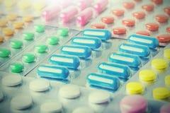 Grande numero medico delle pillole Immagini per l'industria farmaceutica Il concetto di medicina immagine stock