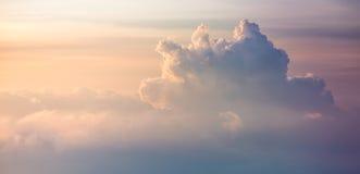 Grande nuvem no por do sol Fotografia de Stock