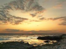 Grande oceano do nascer do sol Opinião horizontal da paisagem vertical da baía, wi Foto de Stock