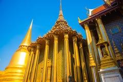 Grande palazzo Bangkok Stupa dorato e tempie religiose THAILLAND Fotografia Stock