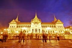 Grande palazzo di Wat del kaew crepuscolare di pra, Bangkok Immagini Stock Libere da Diritti