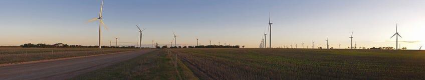Grande panorama dell'azienda agricola di vento Immagini Stock Libere da Diritti