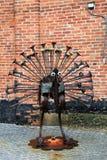 Grande parte de arte finala vista no pássaro lunático feito do metal, visionário americano Art Museum, Baltimore, Maryland, 2017 fotos de stock