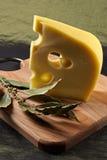 Grande partie de fromage parfumé d'élite Photos stock