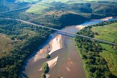 Grande photo d'air de passerelle de fleuve Photos libres de droits