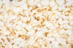 Grande pile de maïs éclaté photographie stock libre de droits