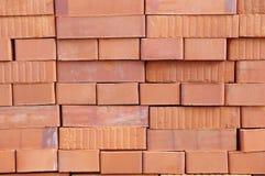 Grande pile de nouvelles briques Images libres de droits