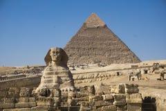 A grande pirâmide de Giza e de esfinge, o Cairo, Egito fotos de stock royalty free
