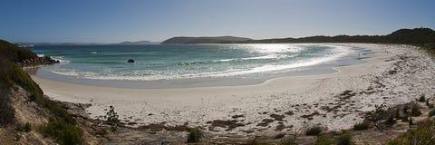 Grande plage bleue Photographie stock libre de droits