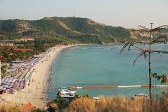 Grande plage sur Koh Lan Island à Pattaya, Thaïlande image libre de droits