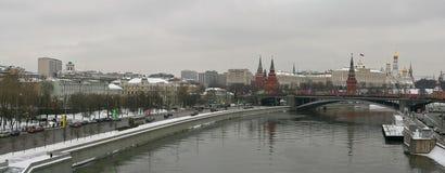 Grande ponte de pedra em Moscou Fotos de Stock Royalty Free