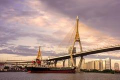 Grande ponte do rio Fotografia de Stock