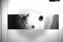 Grande porta do cofre-forte preto e branco imagem de stock royalty free