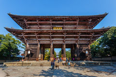 Grande porte du sud (Nandaimon) au temple de Todaiji à Nara Photo stock