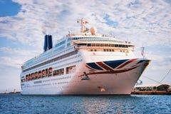 Grande porto de balsa do passageiro em Cagliari Itália fotos de stock