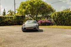Grande possibilité éloignée Porsche Cayman Scène urbaine Photo libre de droits