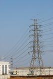 Grande posta elettrica con la costruzione della manifattura Fotografia Stock Libera da Diritti