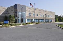 Grande prédio de escritórios fotografia de stock royalty free