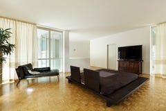 Grande quarto com cama dobro Fotos de Stock