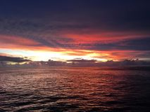 Grande recife de coral do por do sol fotografia de stock royalty free
