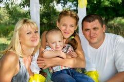 Grande resto felice della famiglia Fotografia Stock Libera da Diritti