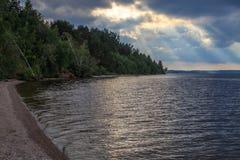 Grande rivière russe Volga, une soirée d'été Image stock