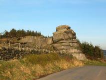 Grande roccia che un grande affioramento di gritstone in West Yorkshire vicino todmorden immagine stock libera da diritti