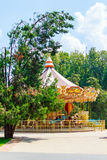 Grande rotonda nel parco della città di resto immagini stock