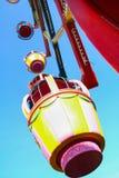 Grande roue colorée dans le ciel Photos stock