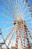 Grande roue rouge et blanche Photographie stock libre de droits