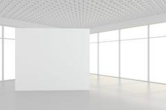 Grande sala vazia com quadros de avisos eretos rendição 3d Fotografia de Stock Royalty Free
