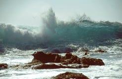 Grande schiacciamento dell'onda Immagini Stock Libere da Diritti