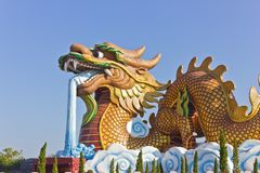 Grande sculpture en dragon Images stock