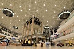 Grande shopping luxuoso Fotos de Stock Royalty Free