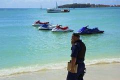 Grande spiaggia della baia in st Maarten, caraibico Immagine Stock Libera da Diritti